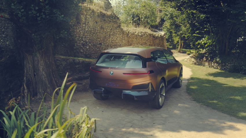 BMW Vision iNEXT previews all-electric SUV for 2021 Image #862305