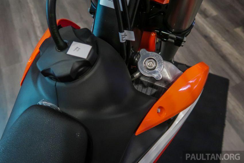 KTM Malaysia lancar model offroad tahun 2019 – pilihan enjin 250 hingga 450 cc, empat strok/dua strok Image #865126