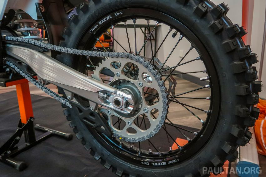 KTM Malaysia lancar model offroad tahun 2019 – pilihan enjin 250 hingga 450 cc, empat strok/dua strok Image #865135