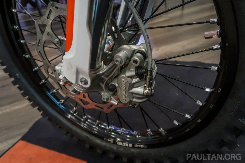 KTM Malaysia lancar model offroad tahun 2019 – pilihan enjin 250 hingga 450 cc, empat strok/dua strok Image #865139