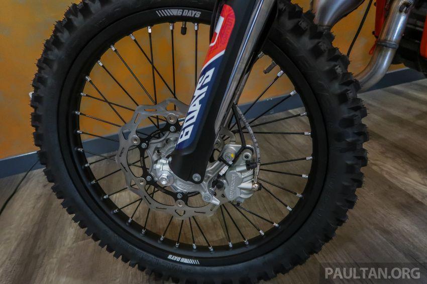 KTM Malaysia lancar model offroad tahun 2019 – pilihan enjin 250 hingga 450 cc, empat strok/dua strok Image #865175