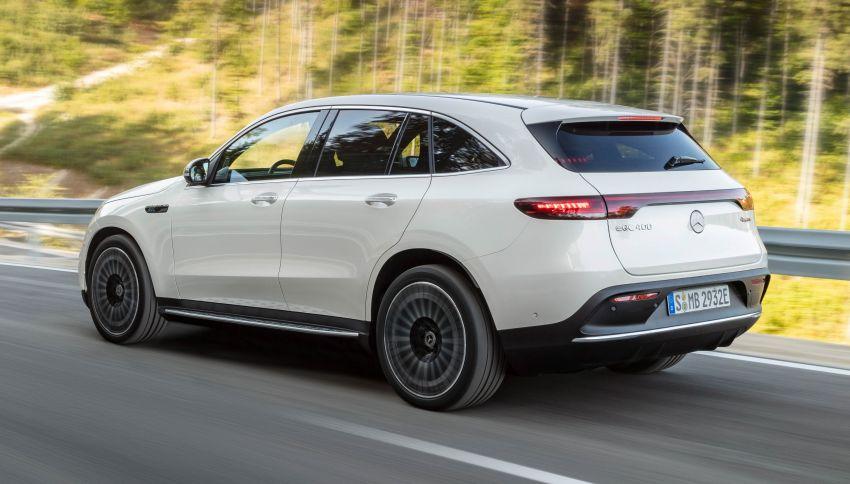 2019 Mercedes-Benz EQC unveiled – 450 km range Image #858037