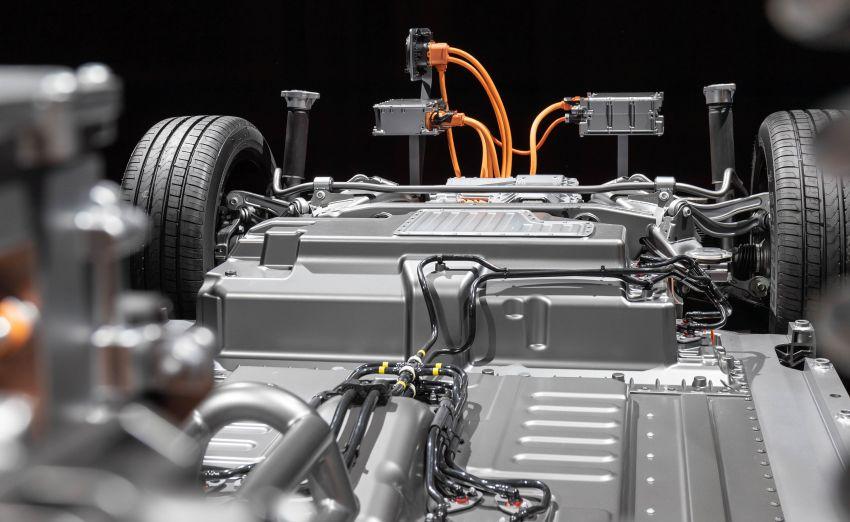 2019 Mercedes-Benz EQC unveiled – 450 km range Image #858082