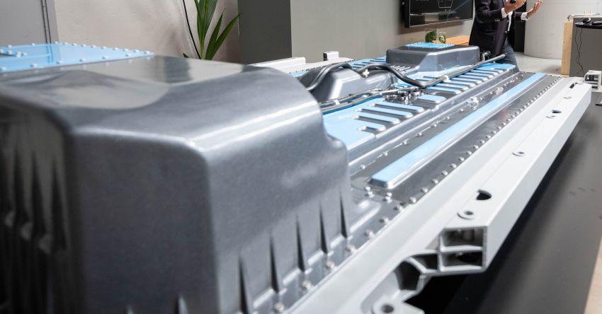 2019 Mercedes-Benz EQC unveiled – 450 km range Image #858085