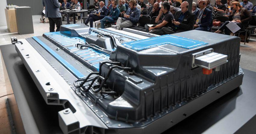 2019 Mercedes-Benz EQC unveiled – 450 km range Image #858086