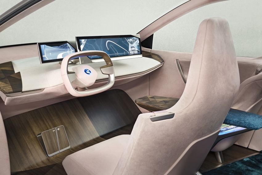 BMW Vision iNEXT previews all-electric SUV for 2021 Image #895759