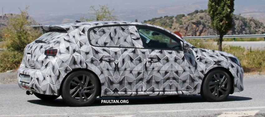 SPYSHOTS: Next Peugeot 208 hatch spotted testing Image #857829