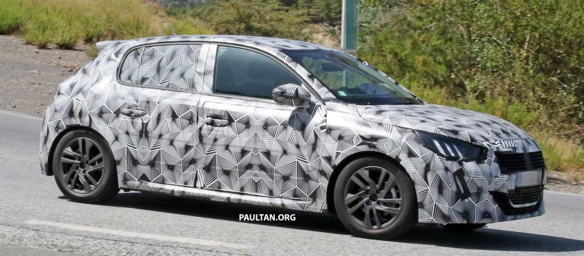 SPYSHOTS: Next Peugeot 208 hatch spotted testing Image #857825