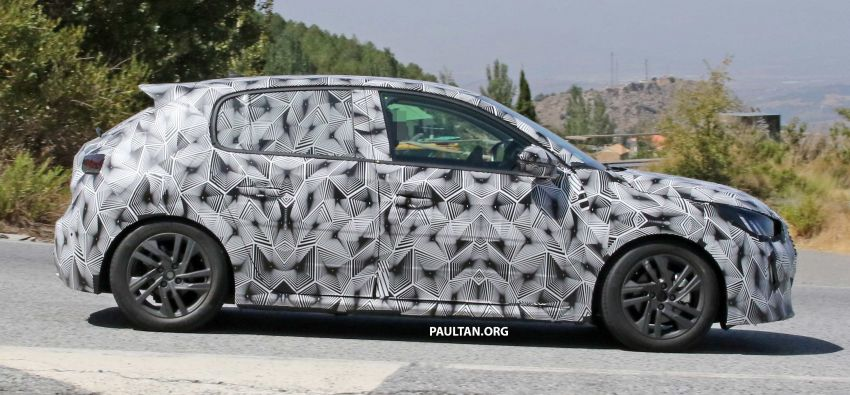 SPYSHOTS: Next Peugeot 208 hatch spotted testing Image #857827