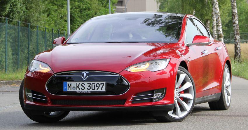Tesla patents auto turn signal tech, reduce idiot factor Image #857606