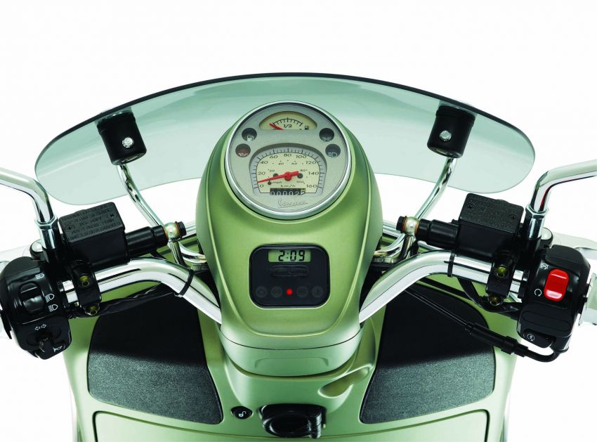 Vespa perkenal tiga model edisi istimewa di M'sia – 946 Red, Sprint Carbon dan Sei Giorni; dari RM17,400 Image #861415