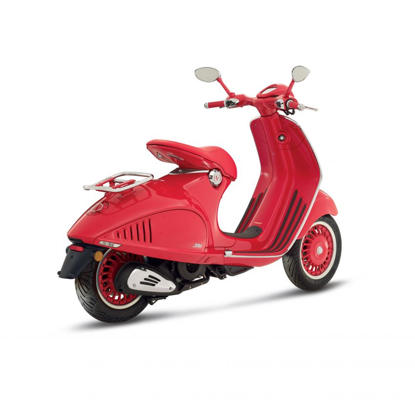 Vespa perkenal tiga model edisi istimewa di M'sia – 946 Red, Sprint Carbon dan Sei Giorni; dari RM17,400 Image #861421