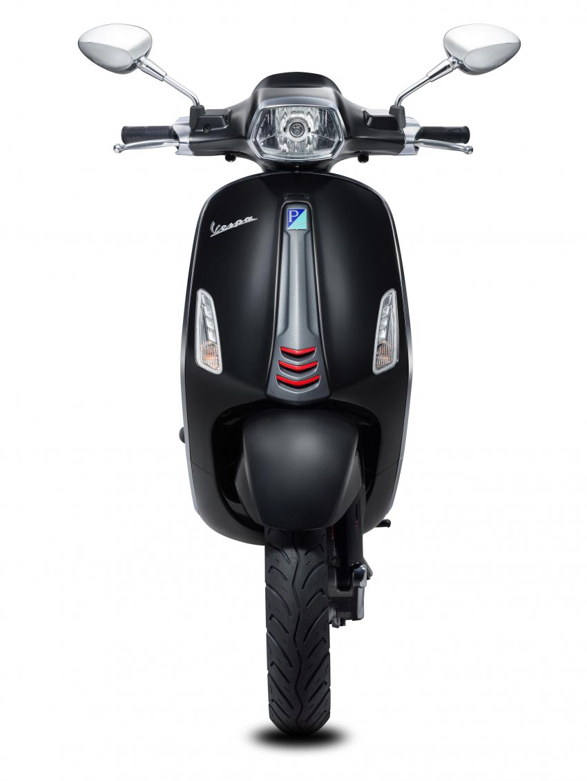 Vespa perkenal tiga model edisi istimewa di M'sia – 946 Red, Sprint Carbon dan Sei Giorni; dari RM17,400 Image #861466