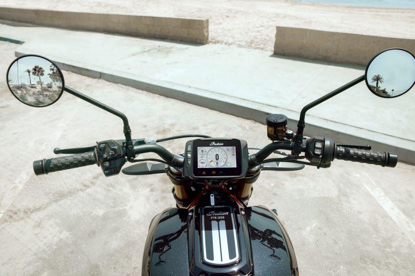 Indian FTR 1200 guna badan <em>flat tracker</em>, enjin 1,200 cc Image #867376