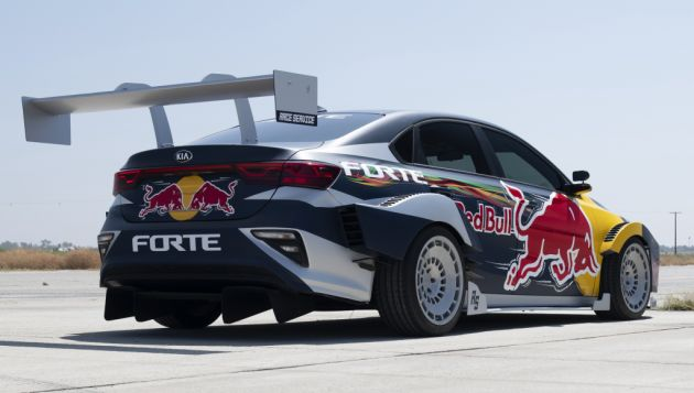 Kia Forte Drift Car Unveiled With Stinger Gt S 3 3l V6