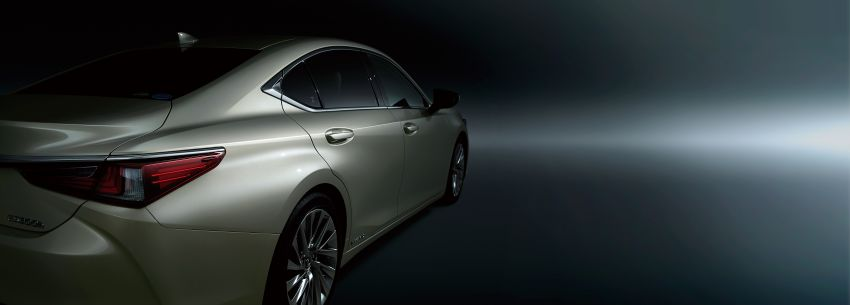 2019 Lexus ES launched in Japan – world's first side-view cameras, ES 300h hybrid only, RM216k to RM259k Image #878715