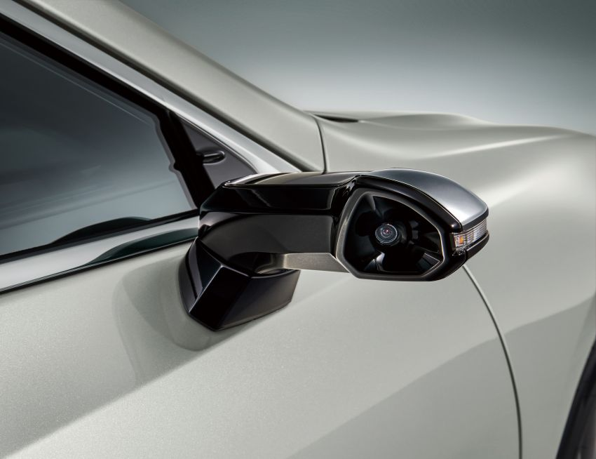 2019 Lexus ES launched in Japan – world's first side-view cameras, ES 300h hybrid only, RM216k to RM259k Image #878730