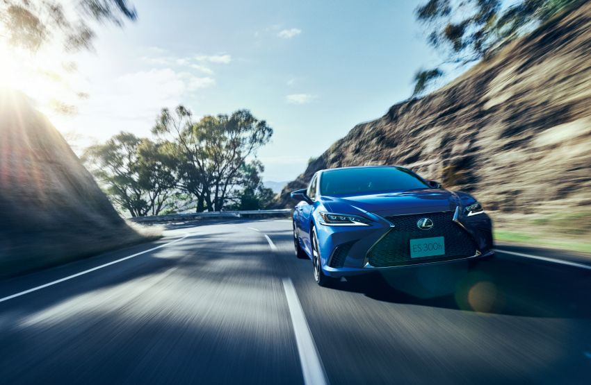 2019 Lexus ES launched in Japan – world's first side-view cameras, ES 300h hybrid only, RM216k to RM259k Image #878745