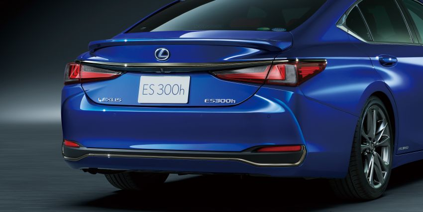 2019 Lexus ES launched in Japan – world's first side-view cameras, ES 300h hybrid only, RM216k to RM259k Image #878750