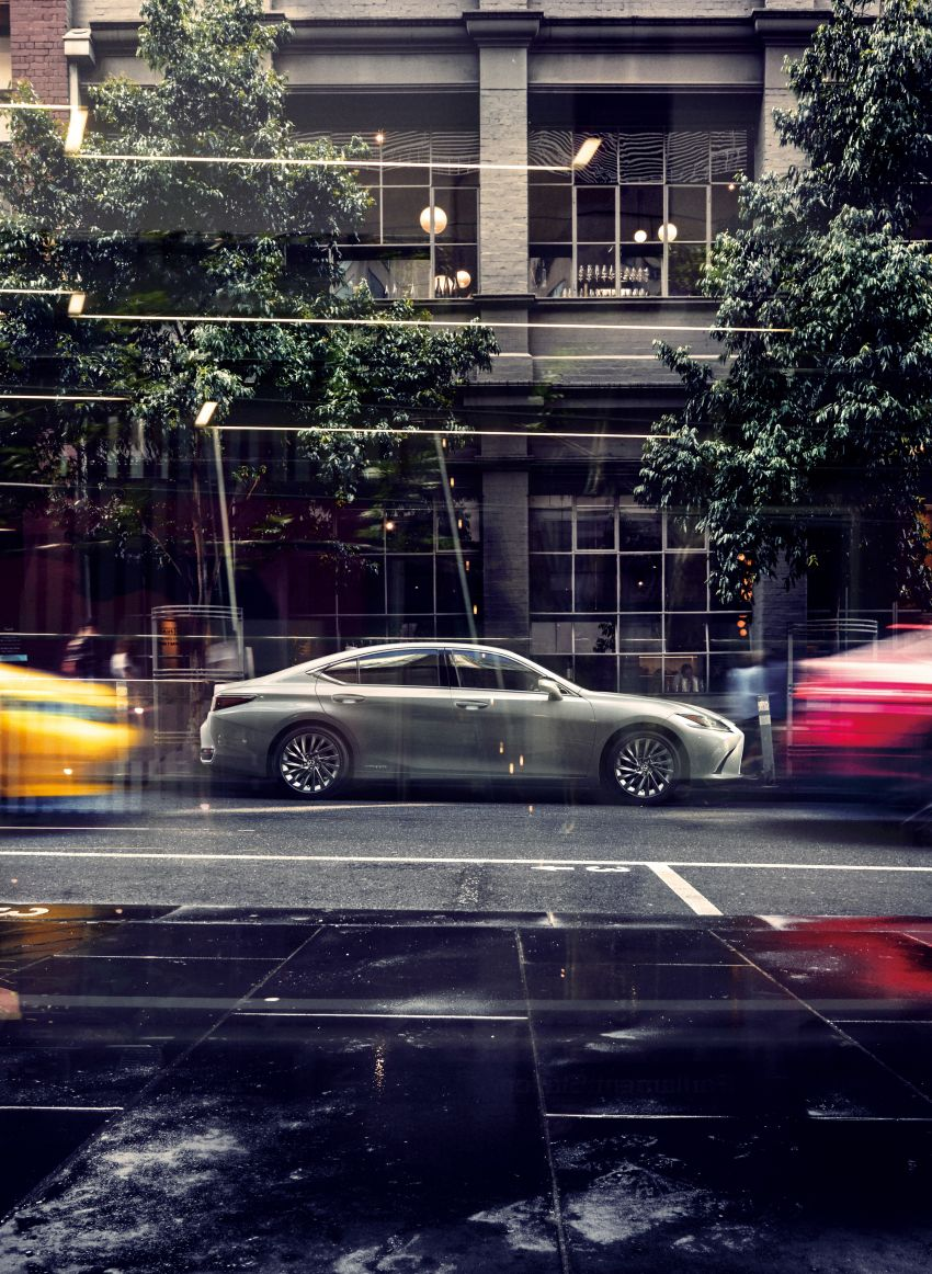 2019 Lexus ES launched in Japan – world's first side-view cameras, ES 300h hybrid only, RM216k to RM259k Image #878711