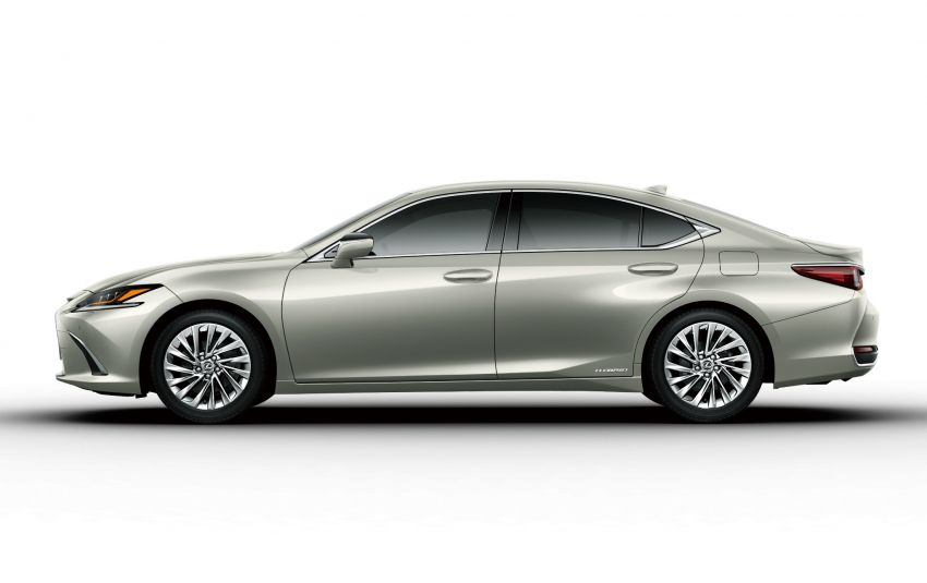 2019 Lexus ES launched in Japan – world's first side-view cameras, ES 300h hybrid only, RM216k to RM259k Image #878768