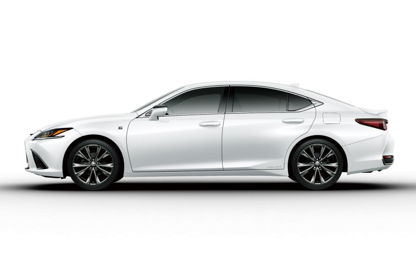 2019 Lexus ES launched in Japan – world's first side-view cameras, ES 300h hybrid only, RM216k to RM259k Image #878770