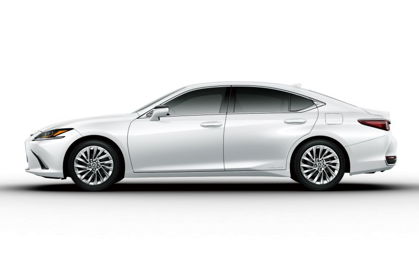 2019 Lexus ES launched in Japan – world's first side-view cameras, ES 300h hybrid only, RM216k to RM259k Image #878771