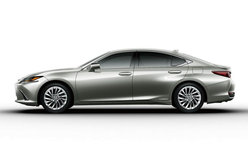 2019 Lexus ES launched in Japan – world's first side-view cameras, ES 300h hybrid only, RM216k to RM259k Image #878774