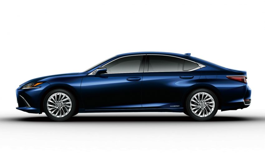 2019 Lexus ES launched in Japan – world's first side-view cameras, ES 300h hybrid only, RM216k to RM259k Image #878779
