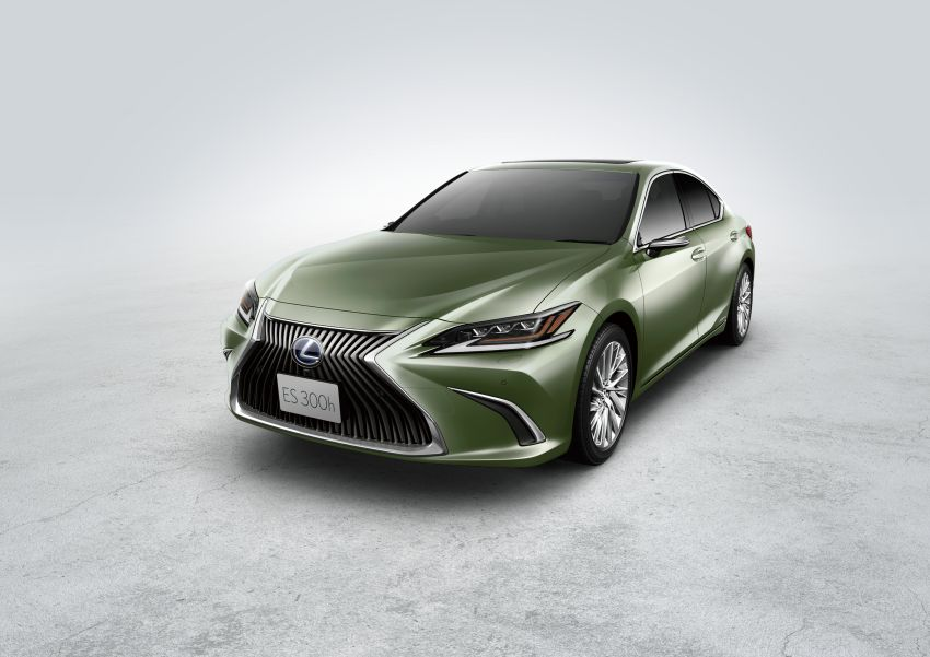 2019 Lexus ES launched in Japan – world's first side-view cameras, ES 300h hybrid only, RM216k to RM259k Image #878790