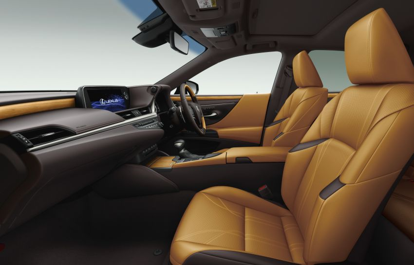 2019 Lexus ES launched in Japan – world's first side-view cameras, ES 300h hybrid only, RM216k to RM259k Image #878793