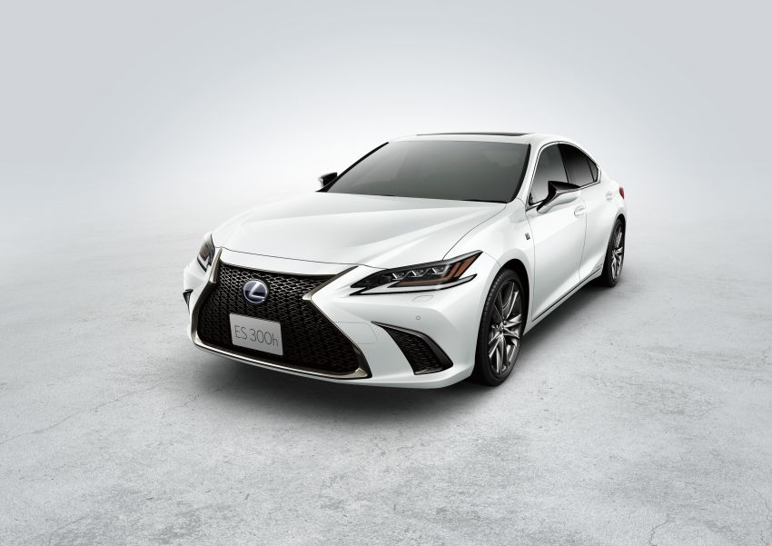 2019 Lexus ES launched in Japan – world's first side-view cameras, ES 300h hybrid only, RM216k to RM259k Image #878800