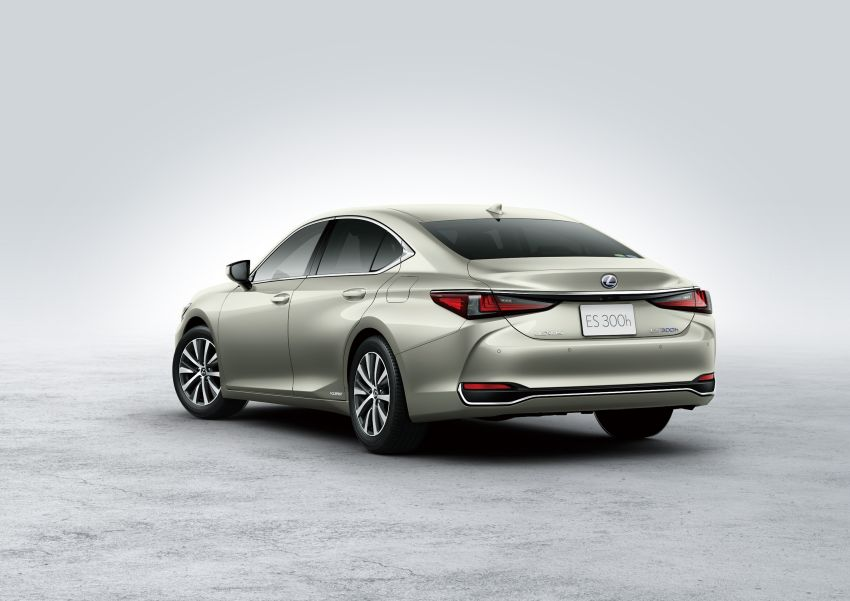2019 Lexus ES launched in Japan – world's first side-view cameras, ES 300h hybrid only, RM216k to RM259k Image #878806