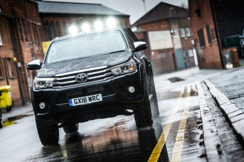 Toyota Hilux Invincible 50 – UK-only special edition Image #876146