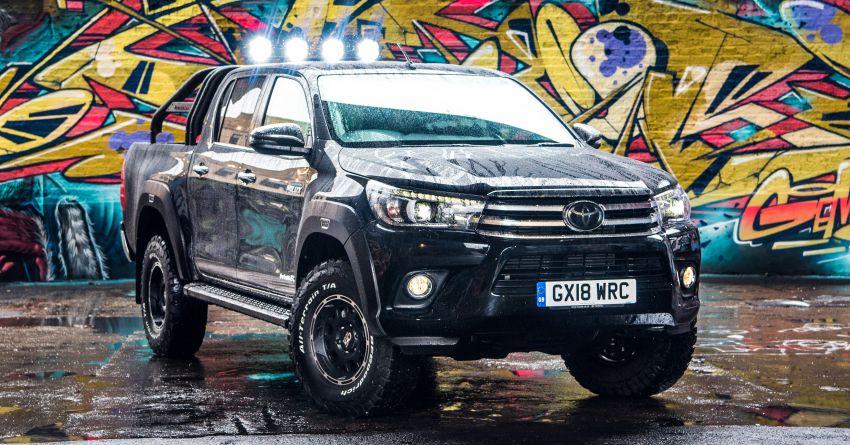 Toyota Hilux Invincible 50 – rai ulangtahun ke-50 tahun Hilux, dibina hanya 50 unit, untuk pasaran UK sahaja Image #876775