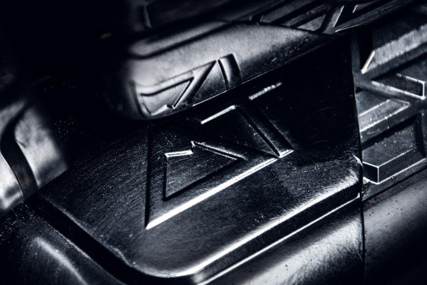 Toyota Hilux Invincible 50 – rai ulangtahun ke-50 tahun Hilux, dibina hanya 50 unit, untuk pasaran UK sahaja Image #876756