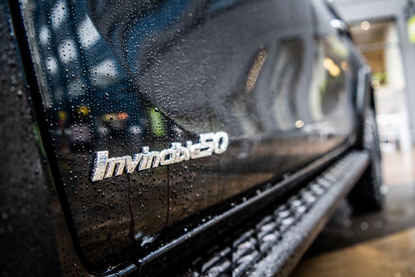 Toyota Hilux Invincible 50 – rai ulangtahun ke-50 tahun Hilux, dibina hanya 50 unit, untuk pasaran UK sahaja Image #876815