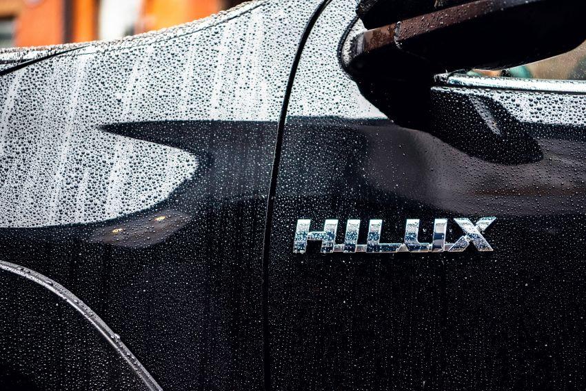 Toyota Hilux Invincible 50 – rai ulangtahun ke-50 tahun Hilux, dibina hanya 50 unit, untuk pasaran UK sahaja Image #876817