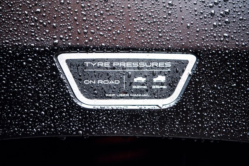 Toyota Hilux Invincible 50 – UK-only special edition Image #876168
