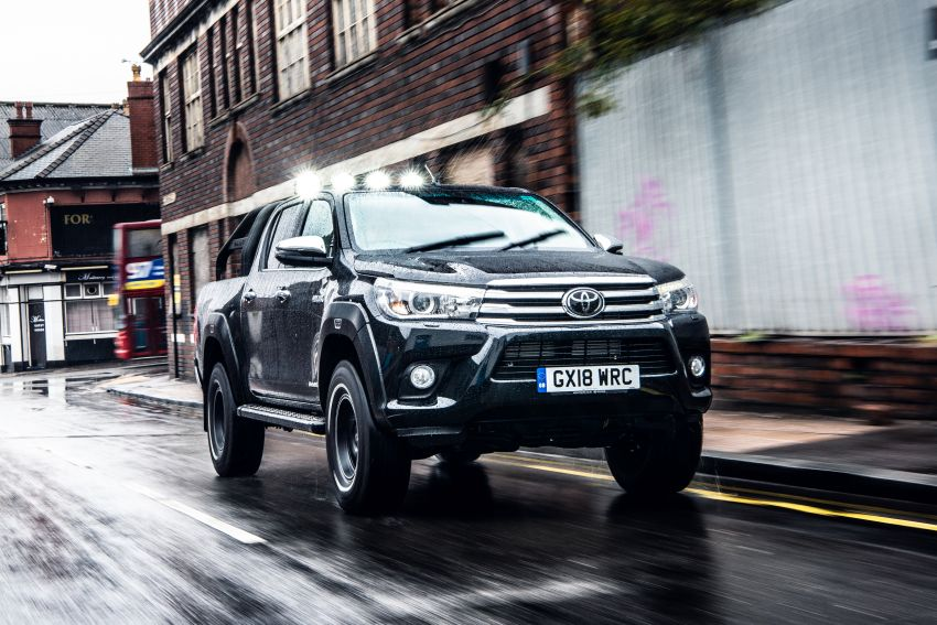 Toyota Hilux Invincible 50 – UK-only special edition Image #876142