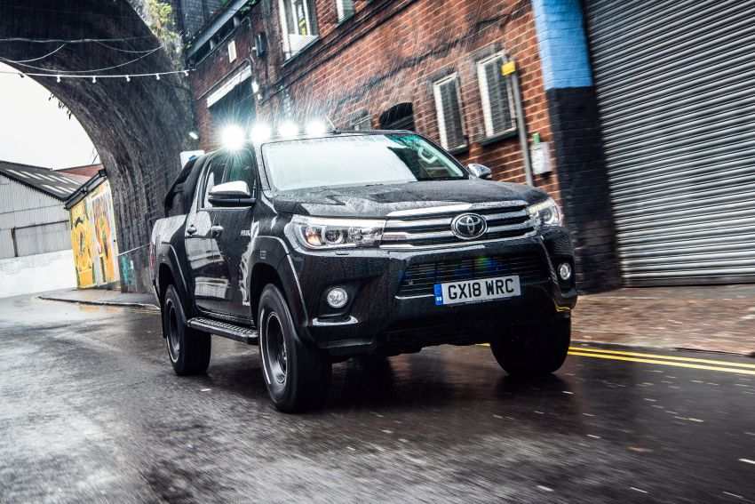 Toyota Hilux Invincible 50 – UK-only special edition Image #876144