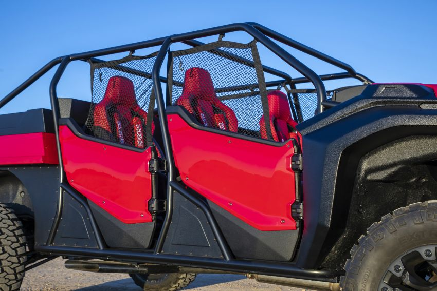 Honda Rugged Open Air Vehicle concept debuts at SEMA – an edgy mix of the Ridgeline and Pioneer 1000 Image #881084