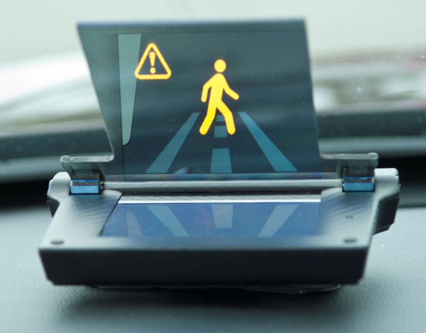 """Honda Smart Intersection technology helps cars """"see through buildings"""" to minimise chance of accidents Image #870065"""