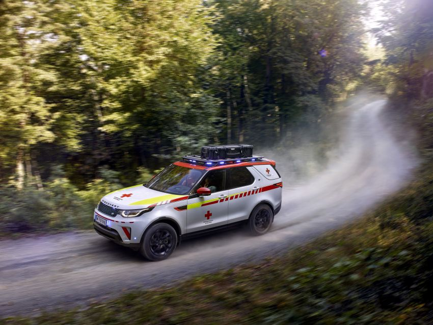 Land Rover SVO debuts bespoke Red Cross Discovery Image #867916
