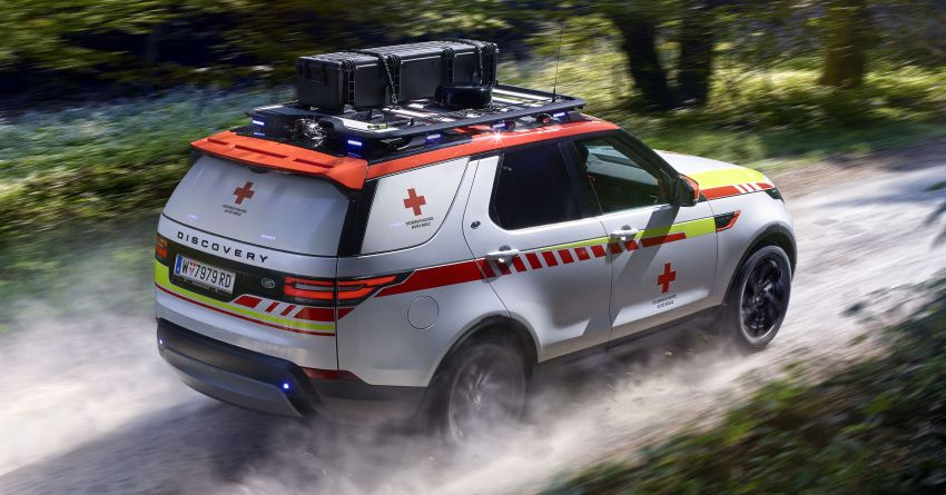 Land Rover SVO debuts bespoke Red Cross Discovery Image #867939