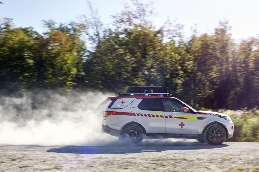 Land Rover SVO debuts bespoke Red Cross Discovery Image #867919
