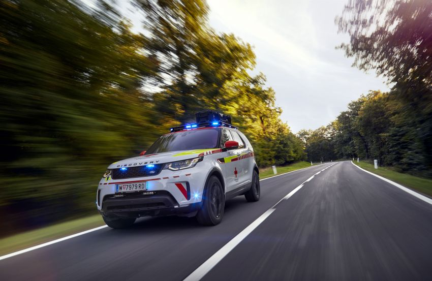 Land Rover SVO debuts bespoke Red Cross Discovery Image #867922