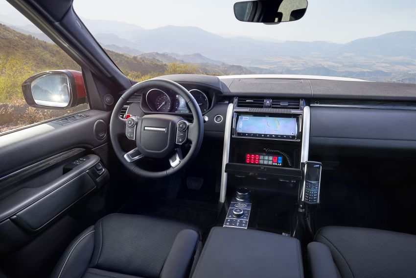 Land Rover SVO debuts bespoke Red Cross Discovery Image #867926