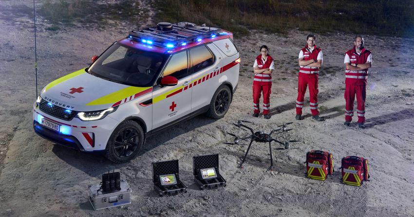 Land Rover SVO debuts bespoke Red Cross Discovery Image #867929