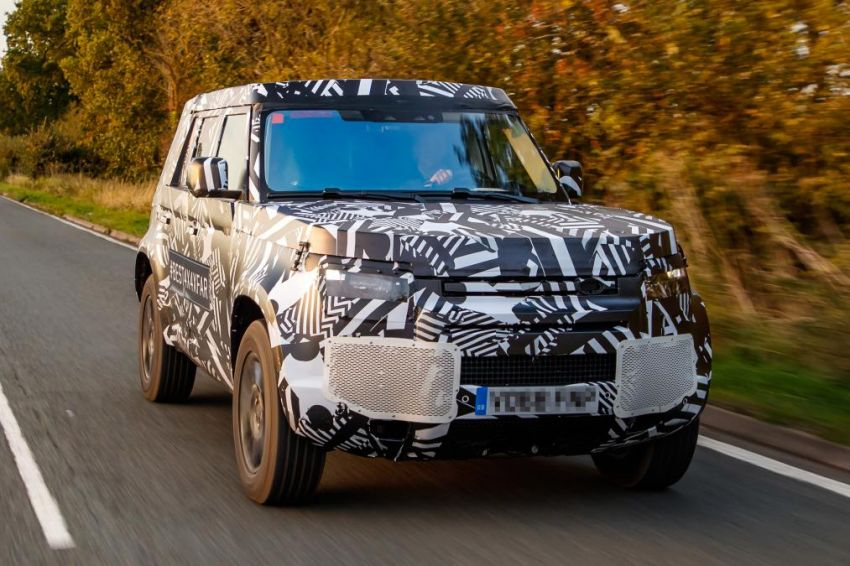 Next-generation Land Rover Defender spotted testing Image #870139